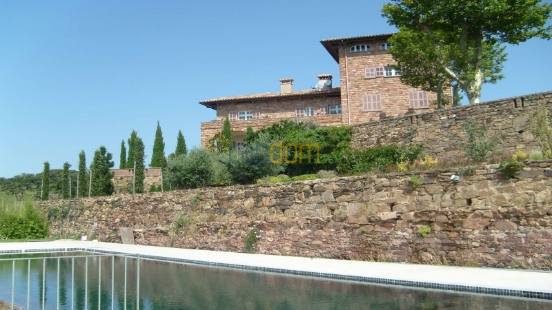 Genuine Castle with vineyards and panoramic sea views for rent heights of Ramatuelle Saint Tropez - south facade