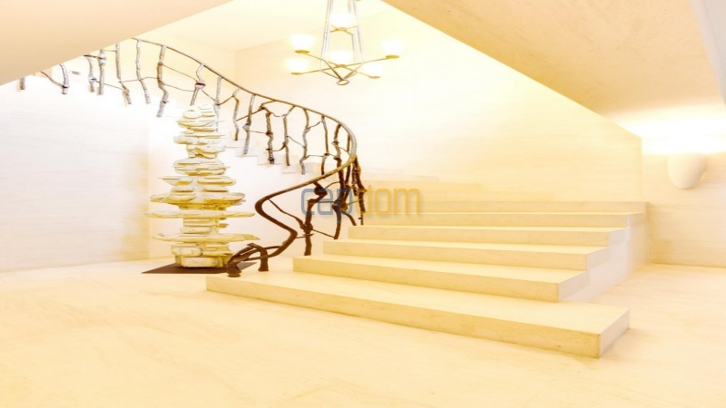 Вилла На Первой Лининция Парк Сан-Тропе - обзор  - главная лестница