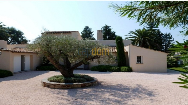 Charming 5 bedrooms Villa for holiday rental domain Capila Saint Tropez by Pampelonne - Alleyway