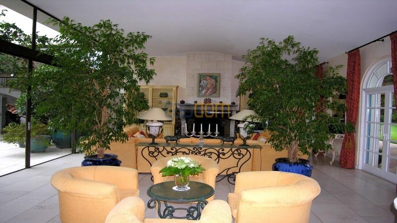 Огромная Вилла для отпуска в престижнейшей резиденции Лэ Парк - салон