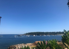 Pleasant Waterfront Californian Villa in Cap d'Antibes with Panoramic Sea View Over Garoupe Beach - sea view