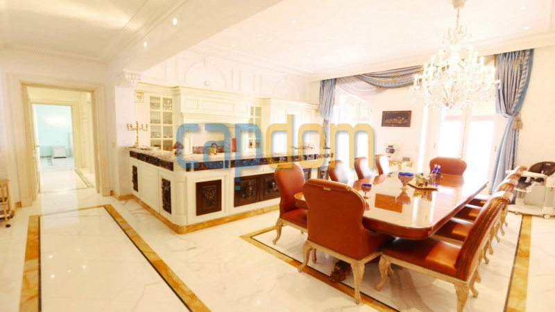 Огромная квартира на продажу в роскошной резиденции Гранд-отель кап мартен - столовая