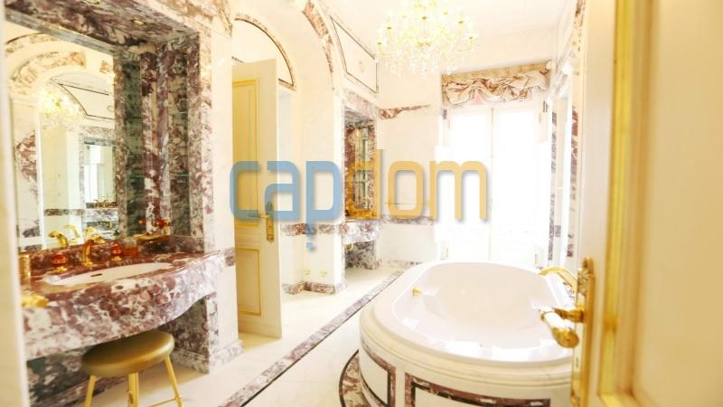 Огромная квартира на продажу в роскошной резиденции Гранд-отель кап мартен - первая ванная комната