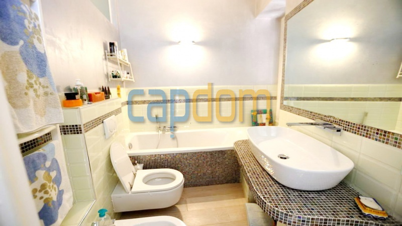 3 bedrooms appartment for sale in perfect condition Grand Hotel Cap Martin - Bathroom 2