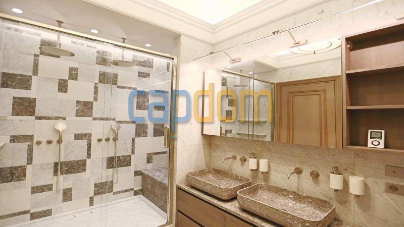 Splendid Apartment Panoramic Sea View Grand Hotel Cap Martin Roquebrune - master bathroom