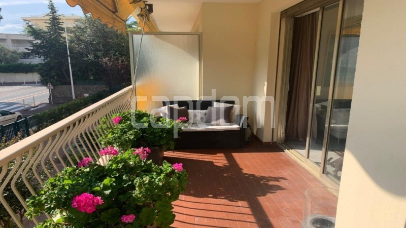 Cap d'Antibes, entirely renovated apartment - Terrace