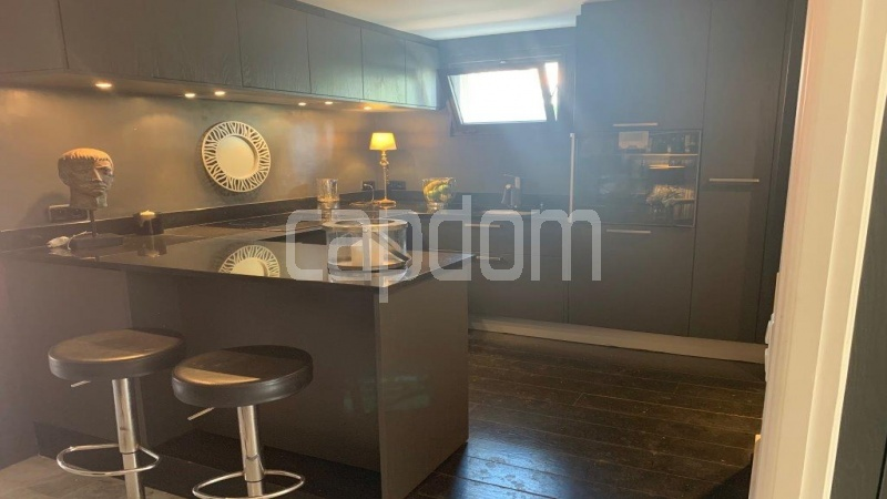 Cap d'Antibes, entirely renovated apartment - Kitchen