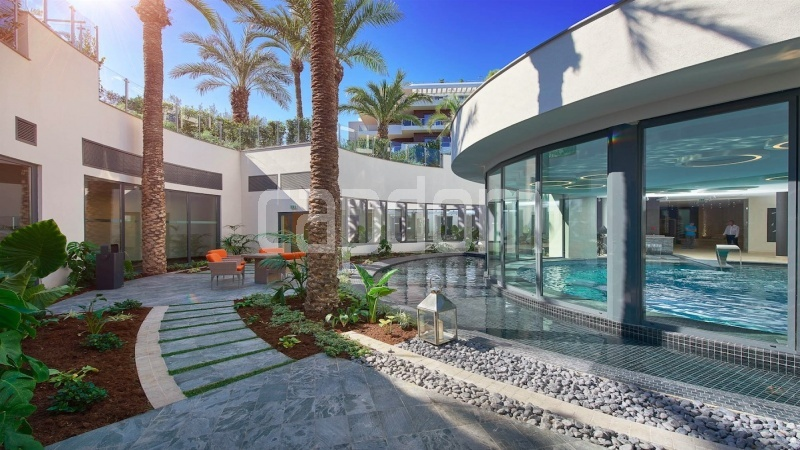 Large apartment for sale Cap d'Antibes near Pinède beaches and shops in brand-new residential complex - Residence