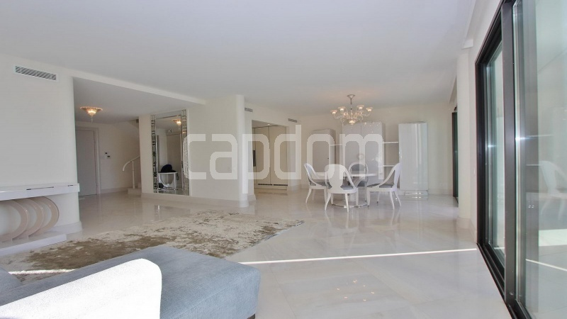 Modern Appartment in waterfront residence Maeterlinck in Nice - Salon