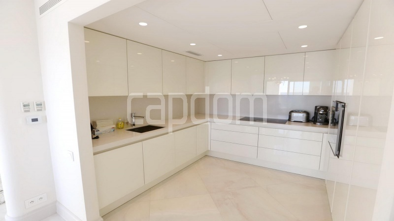 Modern Appartment in waterfront residence Maeterlinck in Nice - Kitchen