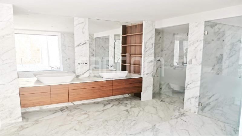 New Waterfront Villa for sale in Roquebrune Cap-Martin - Master Bathroom 1