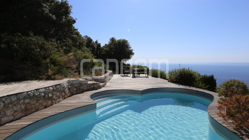 Charming Villa for sale with panoramic view in Villefranche-sur-Mer - pool terrace