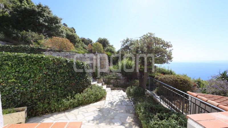 Charming Villa for sale with panoramic view in Villefranche-sur-Mer - garden