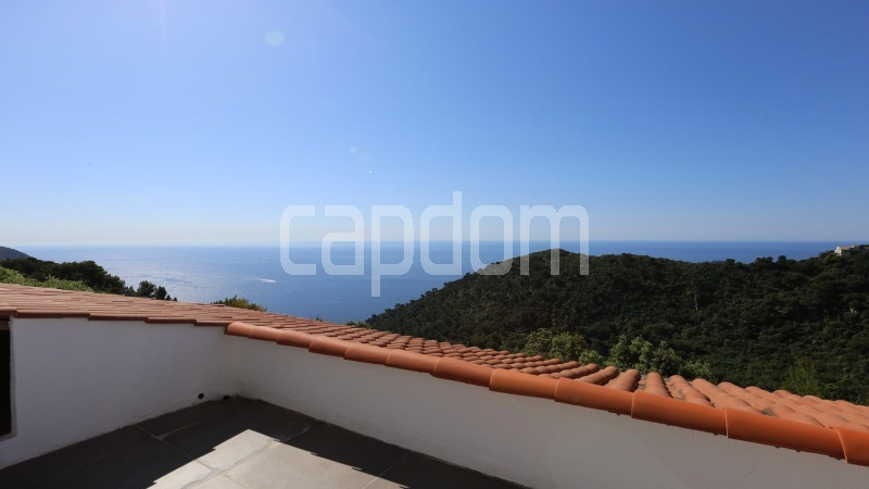 Charming Villa for sale with panoramic view in Villefranche-sur-Mer - balcony