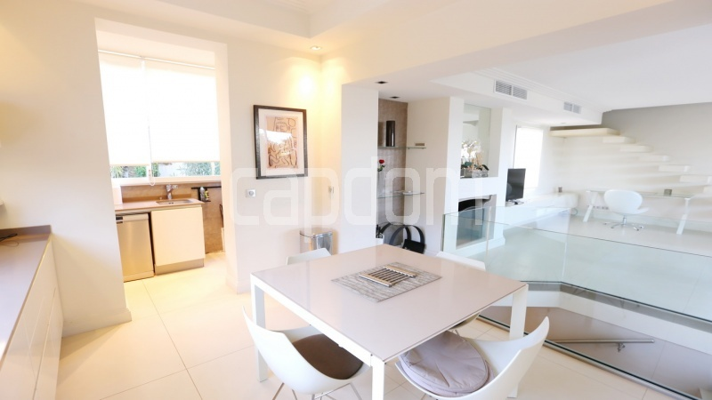 Modern new villa Cap d'Antibes Westside - kitchen area