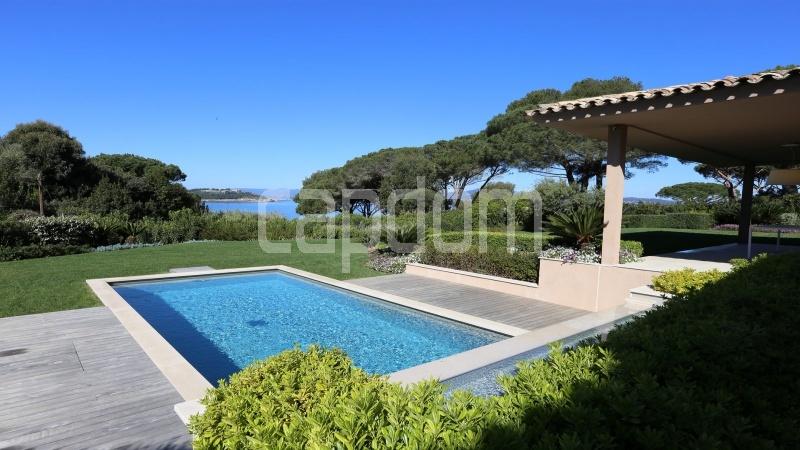 Престижная вилла с видом на море в частной резиденции Les Parcs de Saint - Tropez - 3