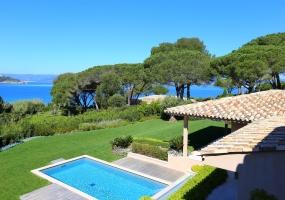 Престижная вилла с видом на море в частной резиденции Les Parcs de Saint - Tropez - 1