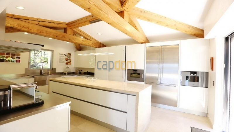 Villa for sale Les Parcs Saint Tropez - fully equipped kitchen