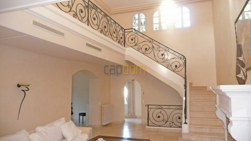 Large stone-built villa for rent cap antibes  - Main stairs