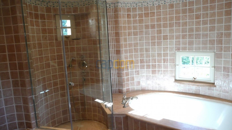 Large stone-built villa for rent cap antibes  - Bathroom 2 shower