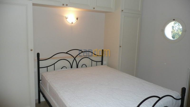Large stone-built villa for rent cap antibes  - Bedroom 4