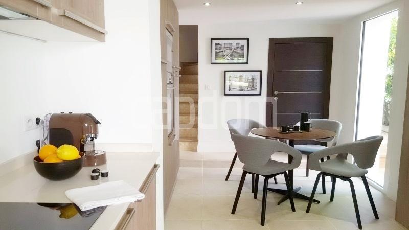Recently build villa for sale Salis Beach Cap d'Antibes - kitchen