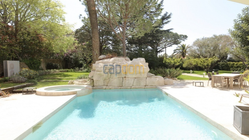 Fully renovated villa west side of Cap d'Antibes near Pecheurs - swimming pool