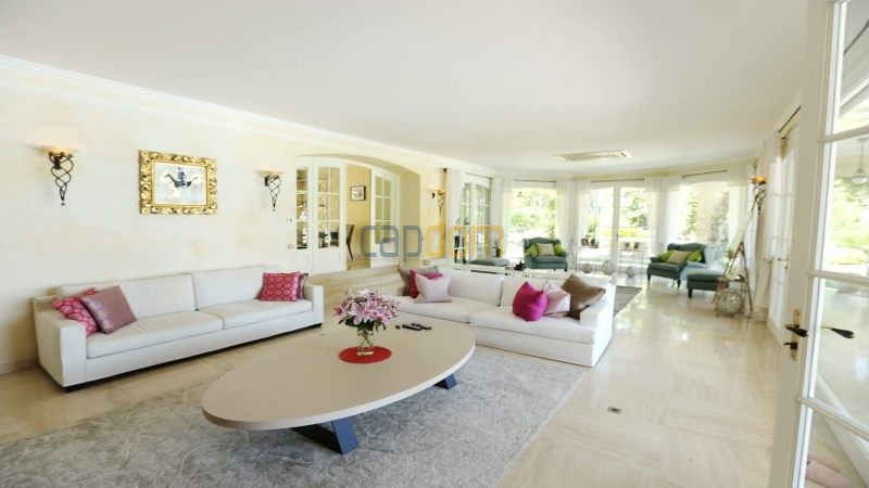 Gorgeous waterfront villa with panoramic sea view  cap d antibes  - living room area