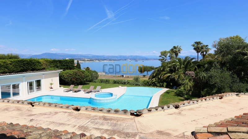 Gorgeous waterfront villa with panoramic sea view  cap d antibes  - sea view from upper level