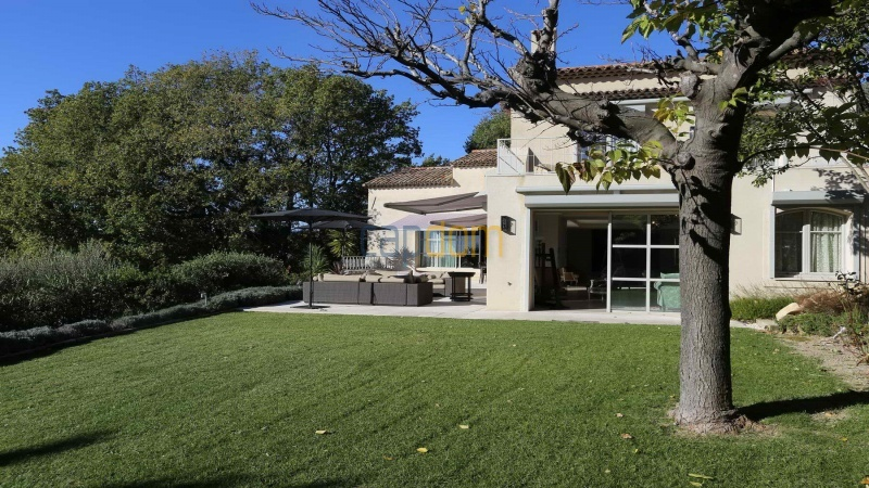 Brand new modern Villa on the heights of Mougins sea View - front garden