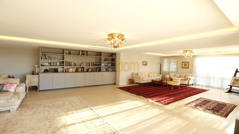 Brand new modern Villa on the heights of Mougins sea View - living room