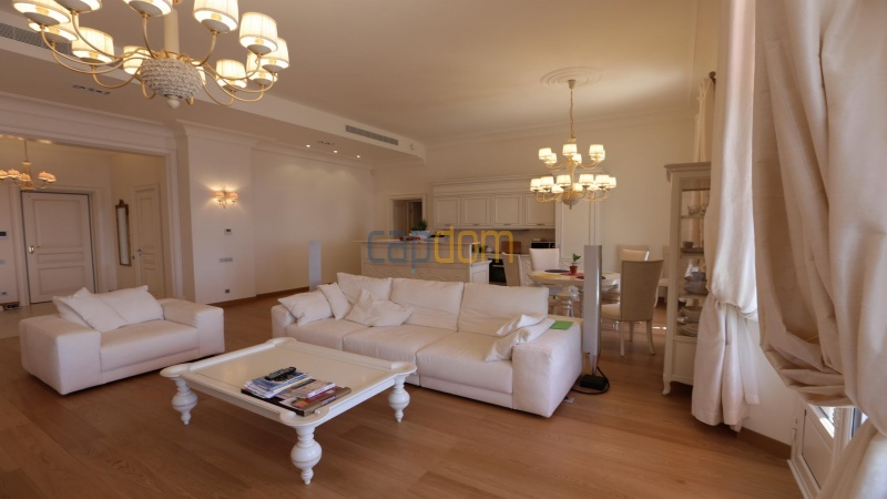 Fully renovated apartments for sale cap martin french riviera - lounge
