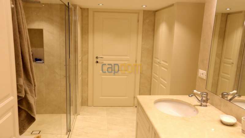 Fully renovated apartment for sale Grand Hotel Cap Martin - Bathroom