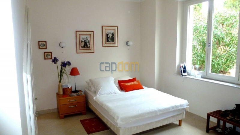 Charming Villa for Holiday Rental near Garoupe Beach Cap d'Antibes - Bedroom  1