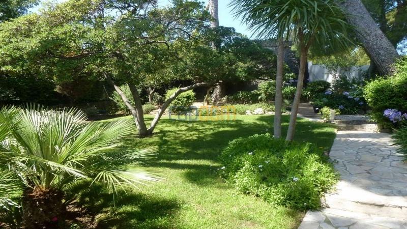 Charming Villa for Holiday Rental near Garoupe Beach Cap d'Antibes - Garden