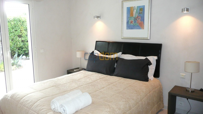 Contemporary Villa for rent in Cap Antibes - Bedroom  2