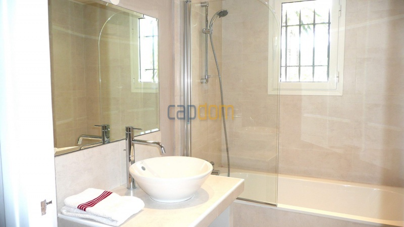 Contemporary Villa for rent in Cap Antibes - Bathroom 2